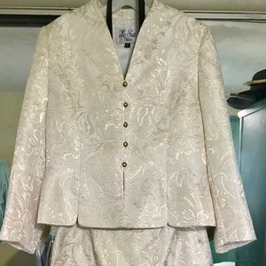 NWOT LeSuit Ivory & Gold Lame Skirt Suit Brocade